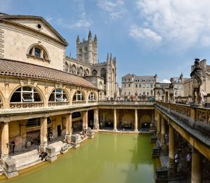 1280px-Roman_Baths_in_Bath_Spa,_England_-_July_2006